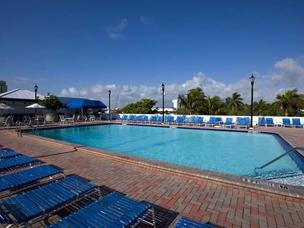 Bahia Mar Beach Resort 3*