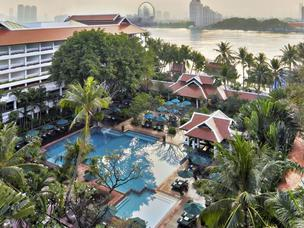 Anantara Bangkok Riverside Resort & Spa 5*