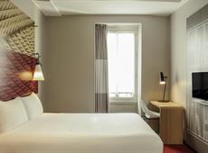 ibis Paris Avenue de la Republique 3*