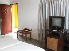 Roy Villa Beach Hotel 2*