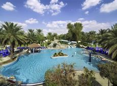 Radisson Blu Hotel & Resort Al Ain 4*
