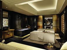 Four Seasons Hotel Shanghai 5*