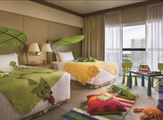 Swissotel The Stamford 5*