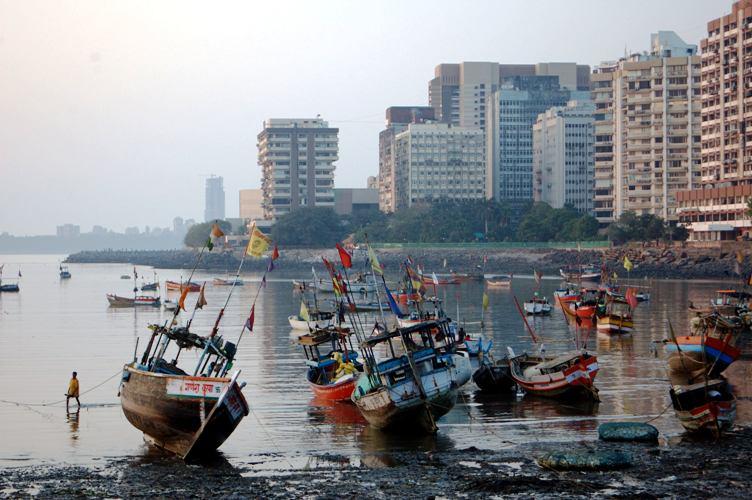 http://www.intergid.ru/modules/tourism/photogallery/city_resort/247/mumbai3.jpeg