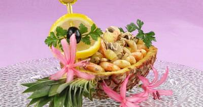салат с морским коктейлем рецепт.
